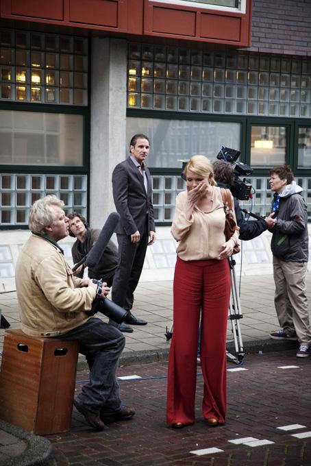 Actie! – Hobbemakade 50. 1071 XL Amsterdam, zondag 30 november 2011, 16.00 uur.