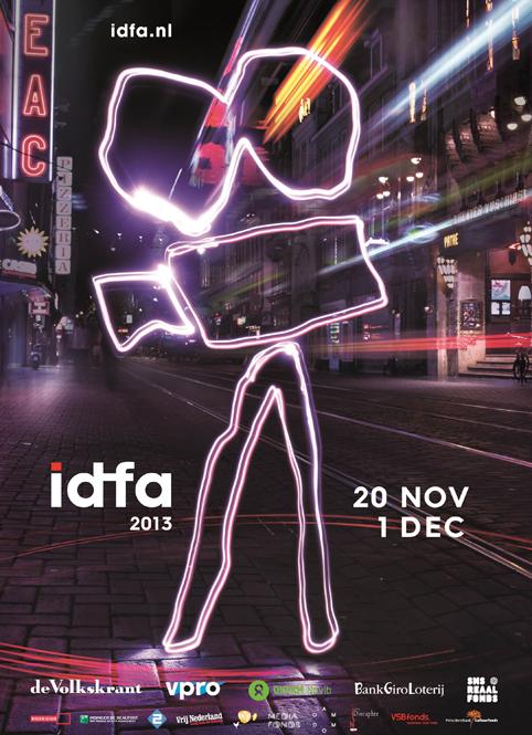 De (lichtgevende) camera van Jan Bons hangt weer in de stad: IDFA begint!