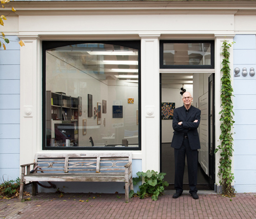 Michiel Hennus voor de Wetering Galerie_foto Tomek Whitfield