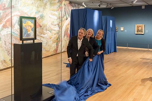 Het Van Gogh Museum vernieuwt 3: Vincent Willem van Gogh over zijn grootvader, die de gehele collectie in privé-eigendom had.