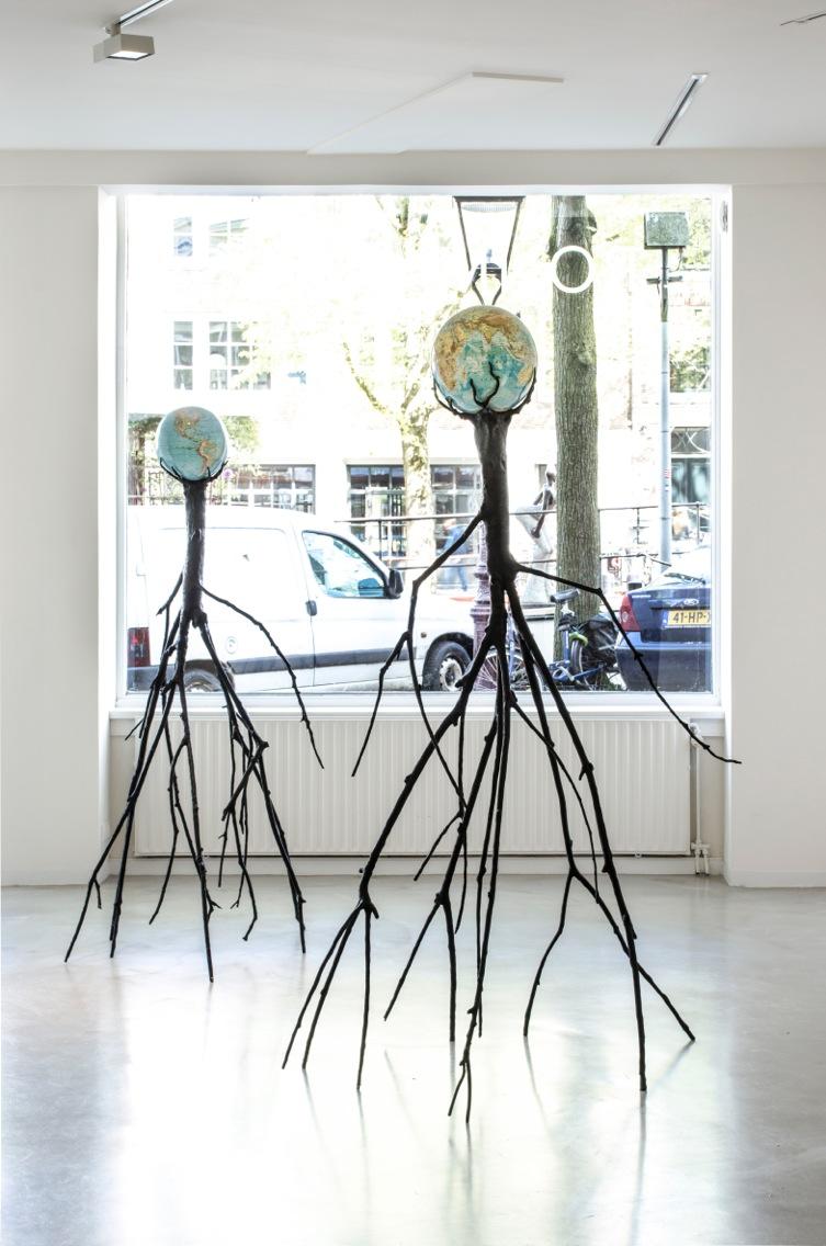 De maatschappijkritische knipogen van kunstenaar Krištof Kintera
