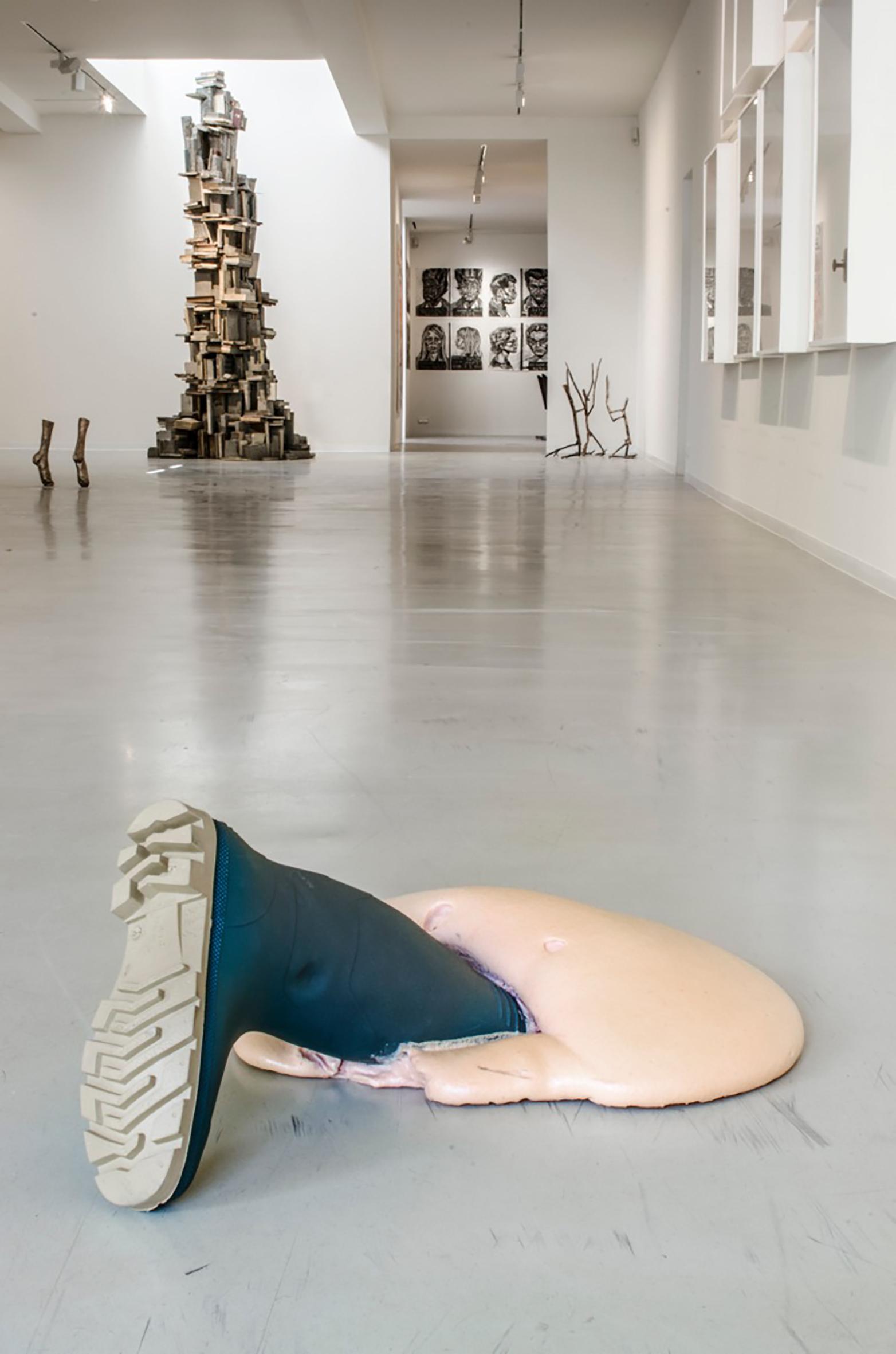Galerie Ron Mandos | Krištof Kintera | Esiri Erheriene-Essi (may 2015)