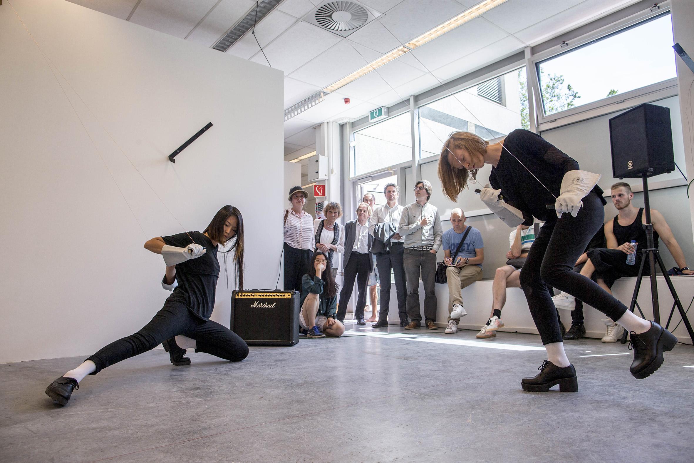 De performance is alomtegenwoordig op de Rietveld Academie