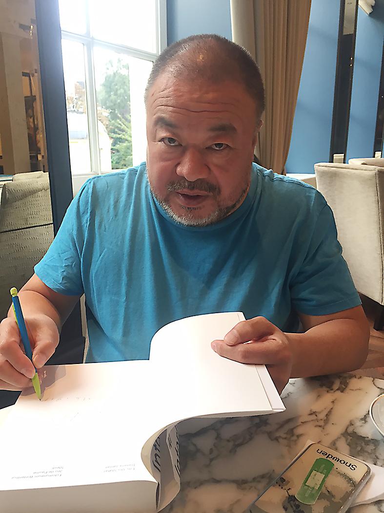"""Ai Weiwei in Amsterdam: """"De vluchtelingencrisis kan ook een enorme kans voor ons zijn"""""""