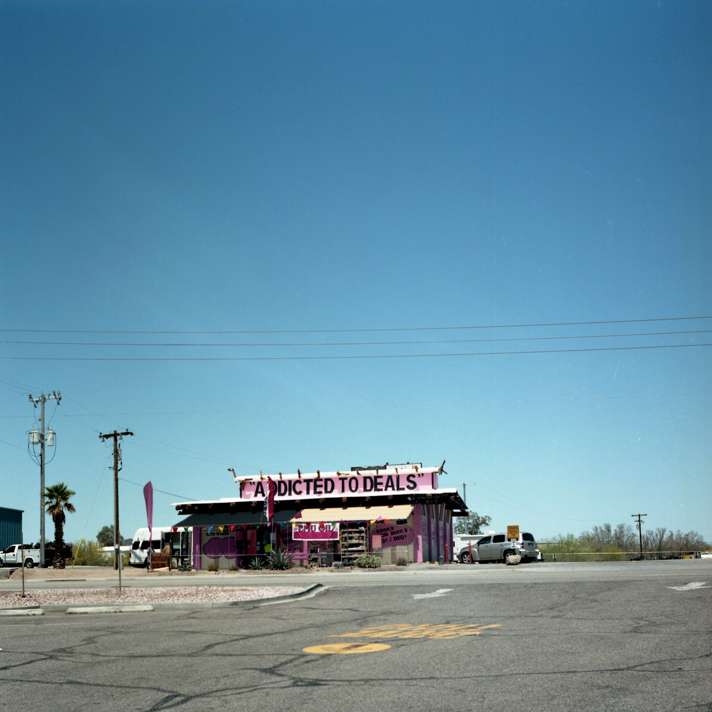 Gioia de Bruijn, Addicted to deals, Arizona, 2016, c- print, 70 x 70 cm