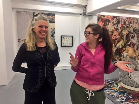 De geëngageerde kunstenaars Barbara Broekman en Tinkebell exposeren samen in Vriend van Bavink. 'We raakten er oververhit van dat er zoveel matcht.'