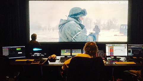 """Peter Warnier deed het geluid voor de Cannes-films Donbass en Cannes: """"We kunnen ons meten met de beste studio's in Hollywood en Londen"""""""